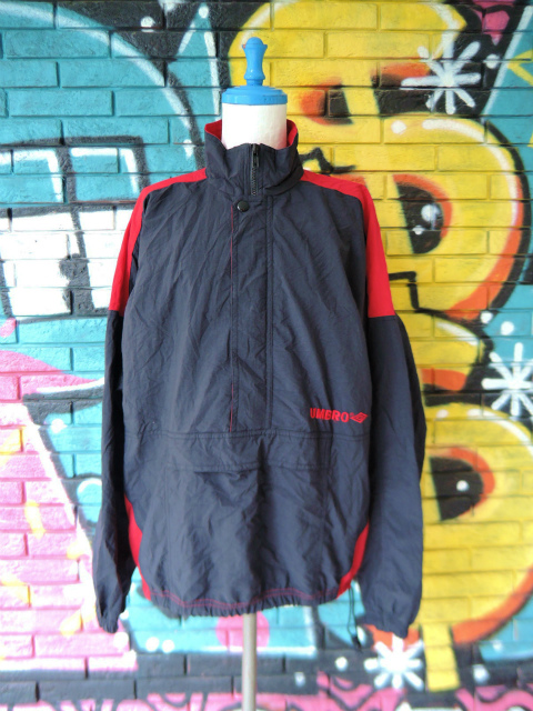 画像1: [USED]-90's【UMBRO】DESIGN PULLOVER NYLON JACKET